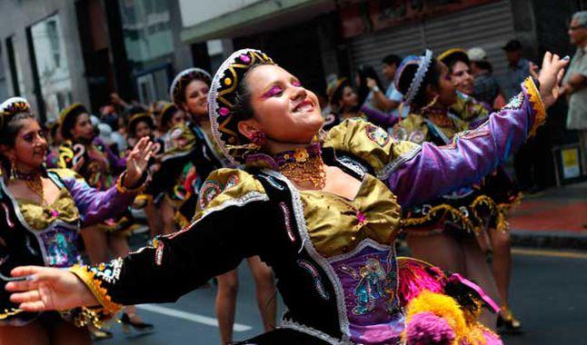 Danzantes extranjeros llegan al encuentro mundial de folklore Mi Perú 2017